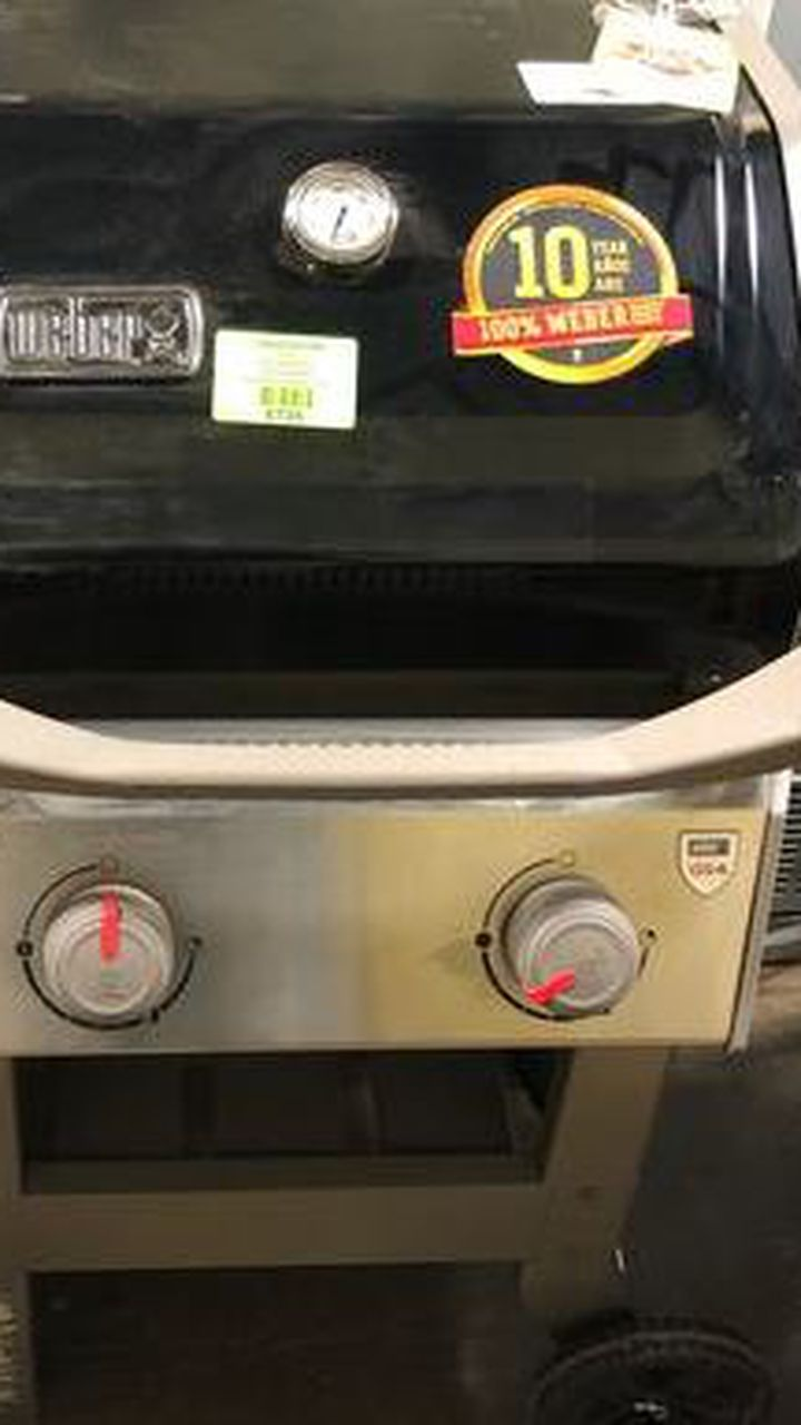 Brand New Weber Grill (Model:(contact info removed)1) 31KA