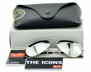 NEW RAY BAN SILVER on SILVER MIRRORED WITH ACCESORIES 58mm or 62mm for Sale in Miami, FL