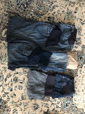 Size 6 Maternity shorts, pants, skirt and capris for Sale in Waldorf, MD