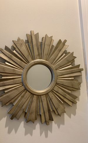 Small wall mirror for Sale in Washington, DC