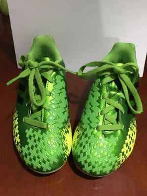 897a28262868 Adidas (13 1/2) youth soccer cleats for Sale in Union City,