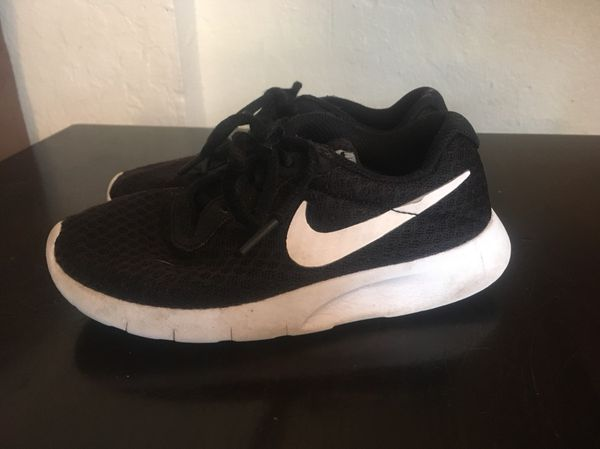6d2ae04e7f94 Nike Tanjun Shoes toddler little boys size 12c for Sale in Modesto ...