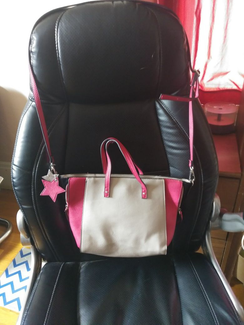 Candie's purse pink and grey new with long shoulder strap