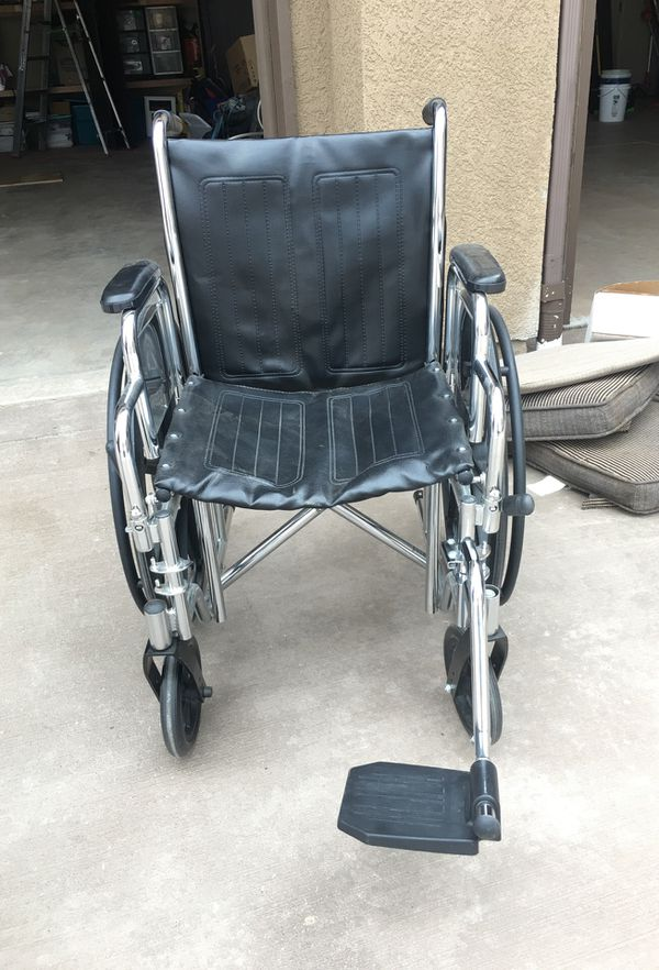 Standard size wheel chair for Sale in Colorado Springs, CO - OfferUp