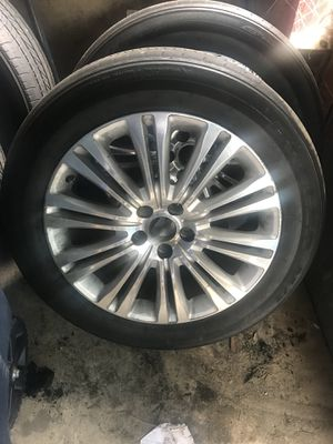 Chrysler 300 factory wheels / rims 19in for Sale in Washington, DC