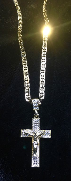 EXCLUSIVE CROSS 18K GOLD FULL DIAMONDS CZ NEW CHAIN MADE IN ITALY! for Sale in Miami, FL