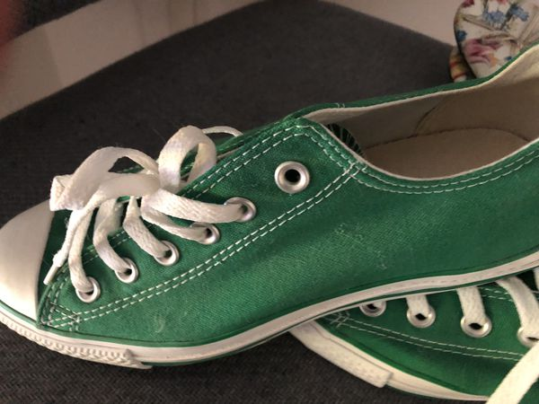 Women s Green converse never worn size 9 for Sale in Lake Forest ... de27f5ea0