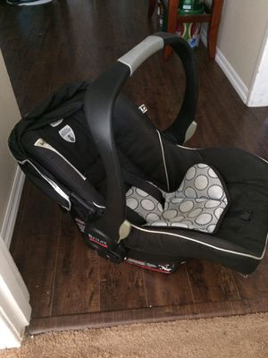 Photo B-safe infant car seat (w/3 bases)