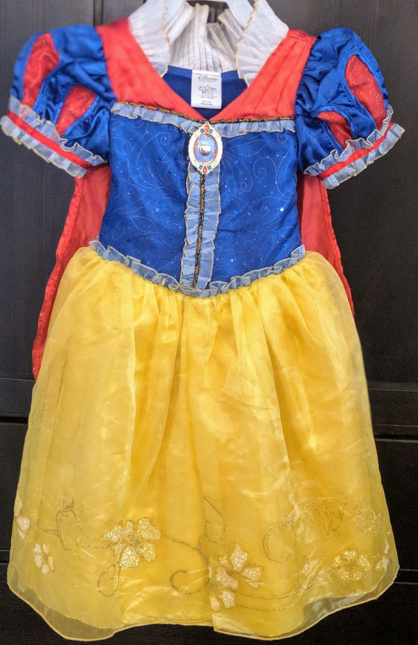 Snow White costume for girl from Disney store for Sale in Miami, FL -  OfferUp