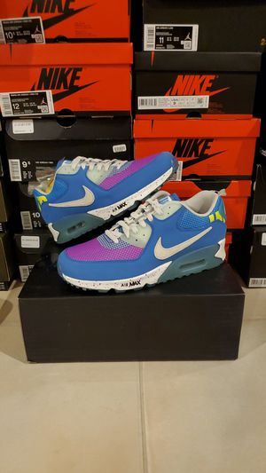 Photo Undefeated x Nike Air Max 90 Size 10.5 11 11.5