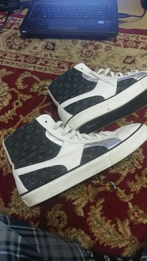 Authentic Louis Vuitton sneakers sz 13 lv for Sale in Adelphi, MD