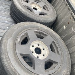 200 4 Rims And Tires Stock 17 inch Chevy Thumbnail