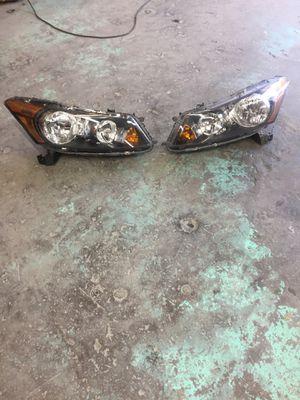 Honda Acorrd 2007-2012 Luses de adelante la luz derecha es nueva for Sale in Chevy Chase, DC