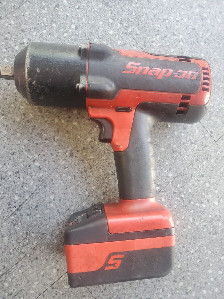 Snap On 1/2inch Gun 2 Batteries And Charger No Issues