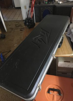 Peavey Bass Guitar Case for Sale in Kissimmee, FL