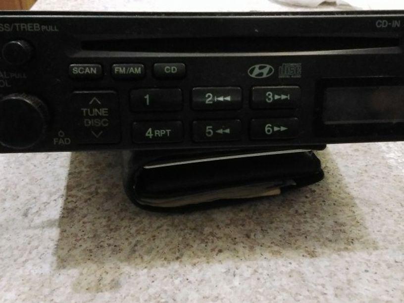 Hyundai H-265yfl Radio And Cd Player
