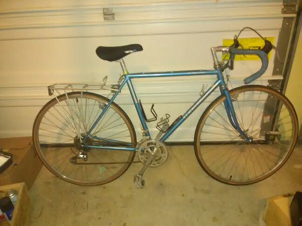 962130a4912 Vintage 1983 Schwinn Le Tour Luxe for Sale in Portland, OR - OfferUp