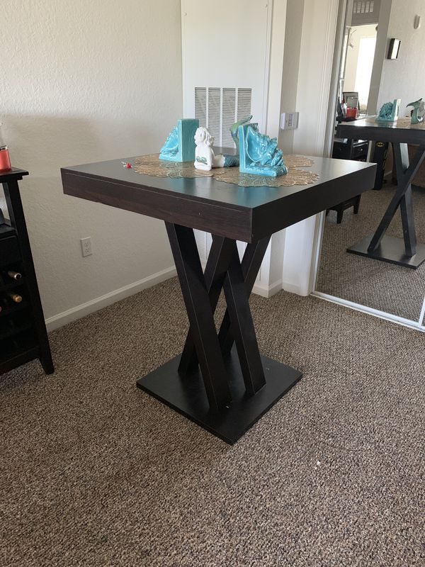 Bar top dining table for Sale in Kissimmee, FL - OfferUp