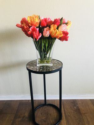 Vase with fake flowers painting for sale in palm springs ca offerup accent table for sale in palm springs ca mightylinksfo