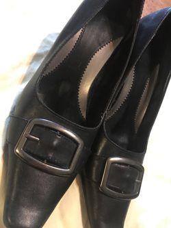 Casual Black Heels - women's size 7-8 Thumbnail
