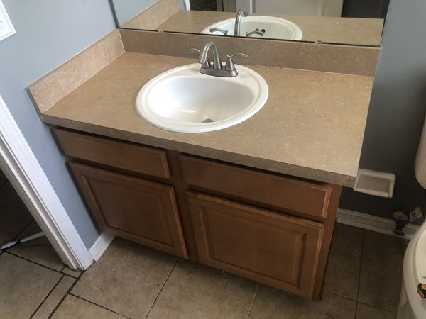 Bathroom vanity for Sale in Jacksonville, FL - OfferUp