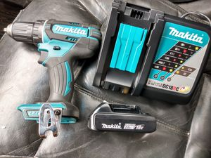 Photo Makita 18v drill with battery and charger