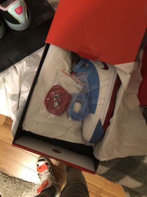 Photo Nike Lebrons size 6mens