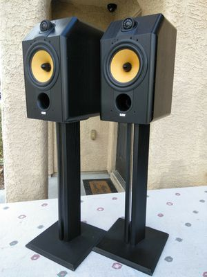 Photo High-End ( B&W ) ( Bowers and Wilkins ) Model: CDM1 Special Edition Bookshelf Speakers/ 120 Watts @ 8 Ohms/ Stands Not Included