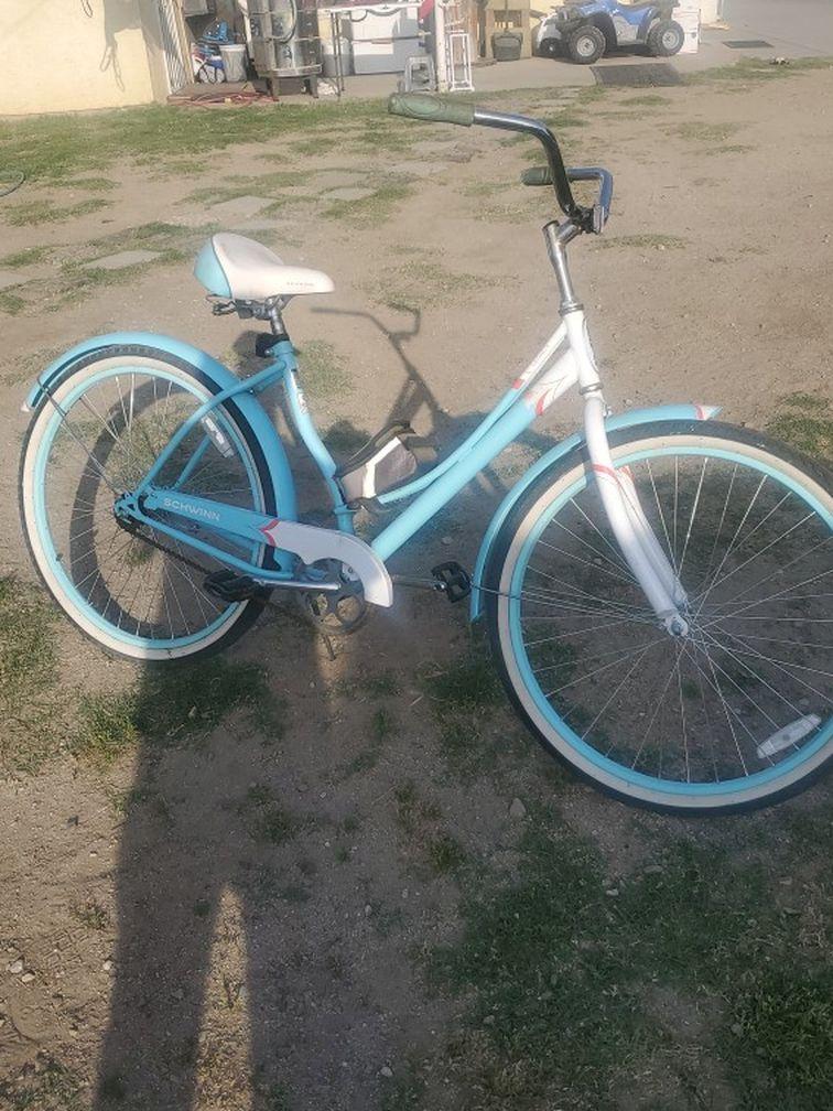 Shhwinn Legacy 26 Inch Bike