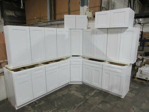 Brand New Overstock Leftover Full Wood White Shaker Kitchen Cabinets and Vanities for Sale in Dallas