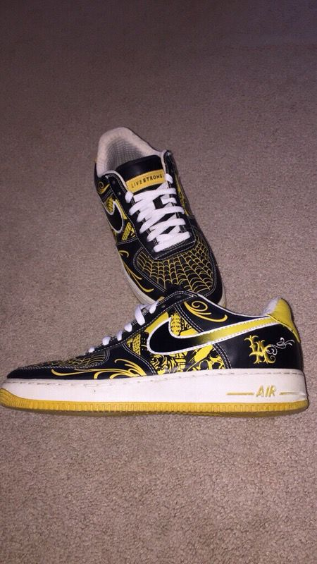 reputable site aad5b 90177 Mr. Cartoon x Livestrong x Nike AF1 size 10.5