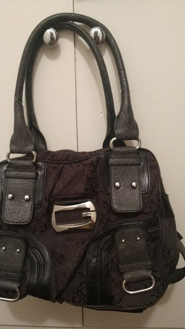 4b35028dc55d Black Guess purse for Sale in Chino