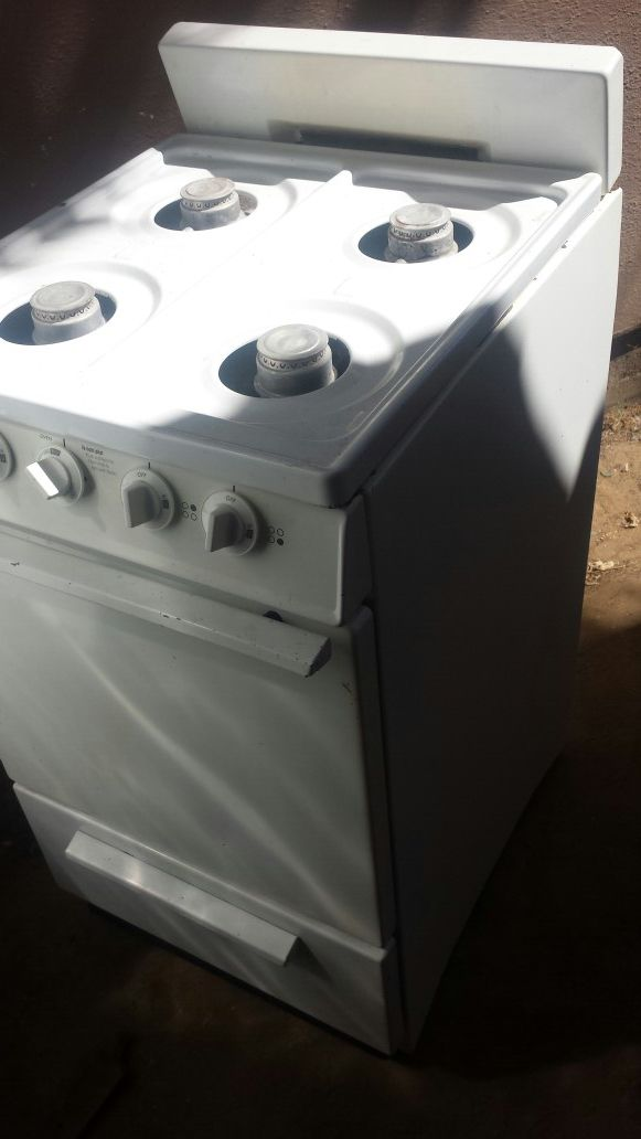 Apartment size gas stove. Needs thermal cupling for the oven to light.  Stove top works great. for Sale in Modesto, CA - OfferUp