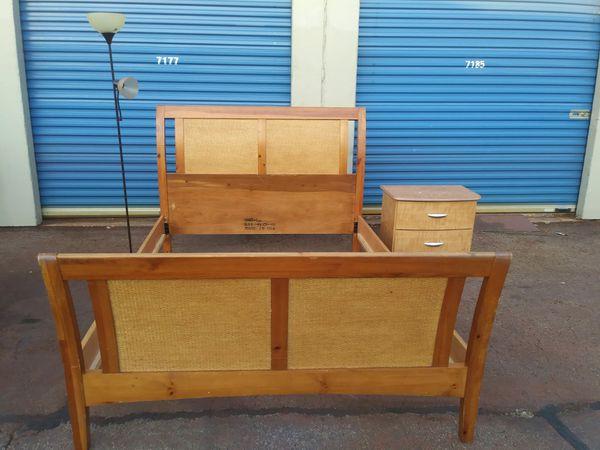 Vase Queen Y Buro Precio Firme Furniture In Dallas Tx Offerup