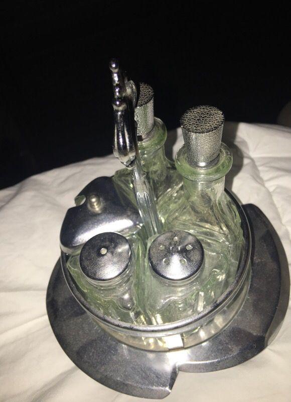 Vintage Bakelite glass s&p oil and vinegar caddie!!