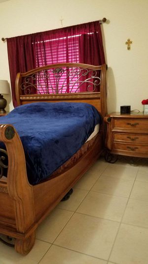 Photo Queen bedroom set for sale (el Dorado)