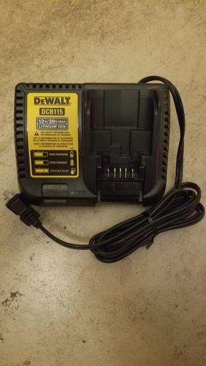 Photo New Dewalt 12-Volt to 20-Volt Lithium-Ion Battery Charger