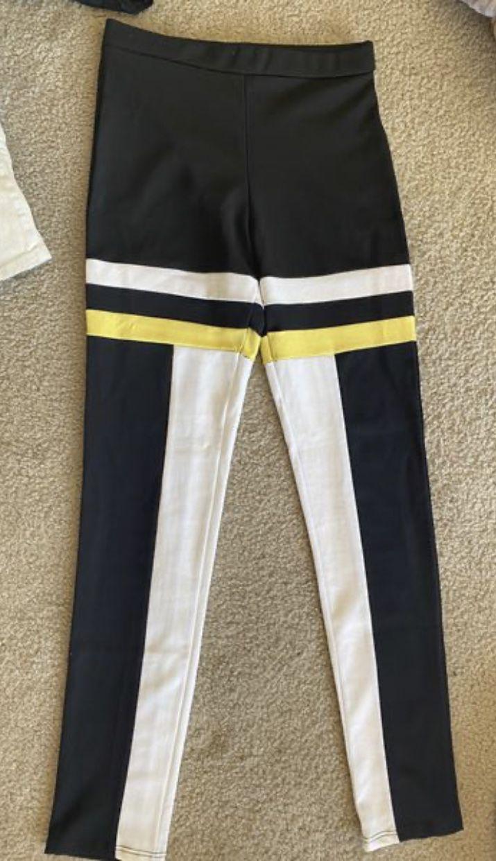 Medium fashion nova leggings yoga pants. Women's.