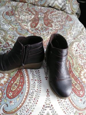 Mens tennis shoes..new..14 ....girls boots new 12..new Bunk beds with matresses.. for Sale in Covington, KY